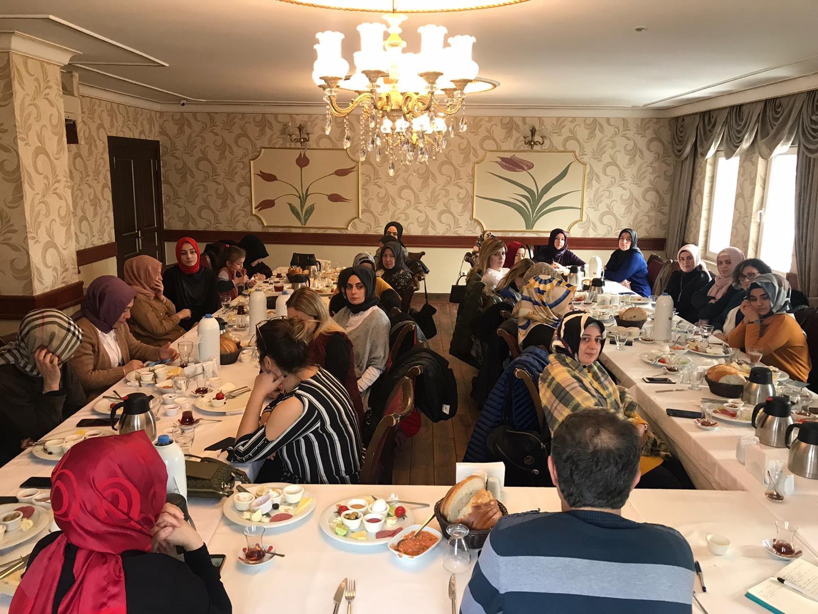 Kadınlar Komisyonu Teşkilat Eğitimlerine Devam Ediyor